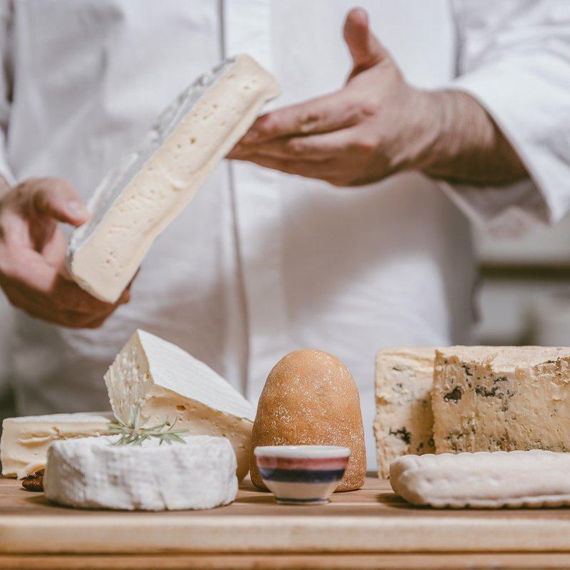 Scelta di formaggi pregiati dalla regione